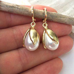 Pearl Tulip drop / Gold huggie lever back Earrings